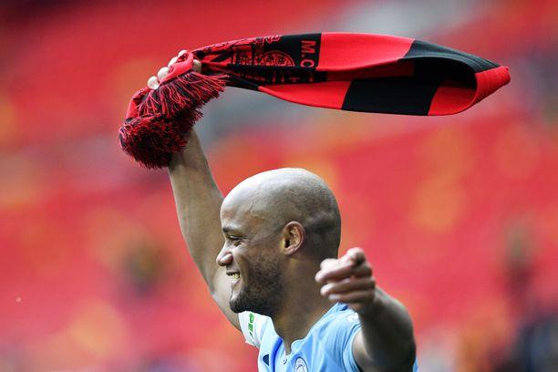 Vincent Kompany jätti Manchester Cityn iloisissa tunnelmissa.