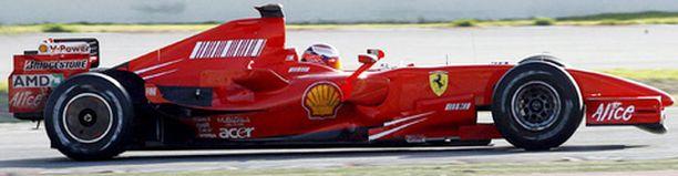 Kimi Räikkönen ajaa tulevalla kaudella Ferrarilla.