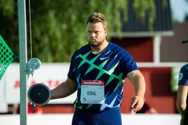Daniel Ståhl voitti lauantaina Kuortaneen GP-kisan tuloksella 68,48.
