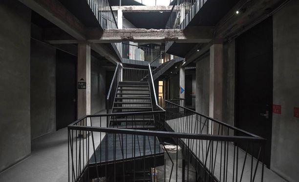 Thrive The Hostel on suorastaan pelottavan teollinen.