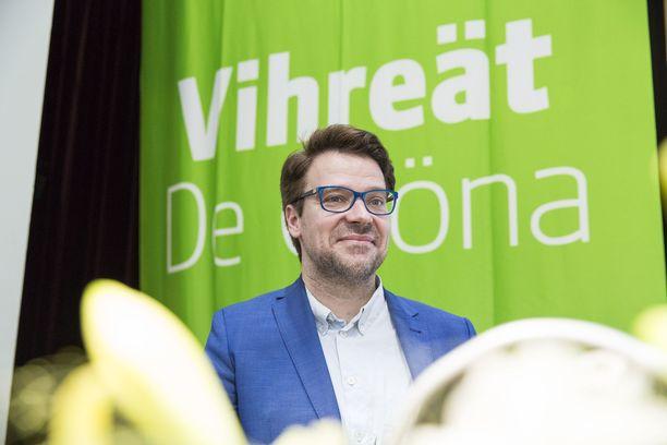 Vihreiden kansanedustaja Ville Niinistö liikkuu omien sanojensa mukaan paljon.