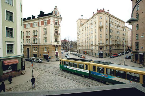 TUNNUSTI Helsingin Punavuoressa, Kalliossa ja Siltasaaressa nuoria naisia ahdistellut mies tunnusti tekonsa poliisin kuulustelussa.
