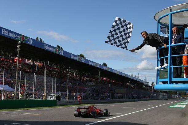 F1 kärsi imagotappion odottamalla liian pitkään Australian GP:n peruuttamista.