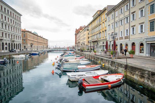 Italialainen Triesten rantakaupunkikin tarjoaa kanavia.