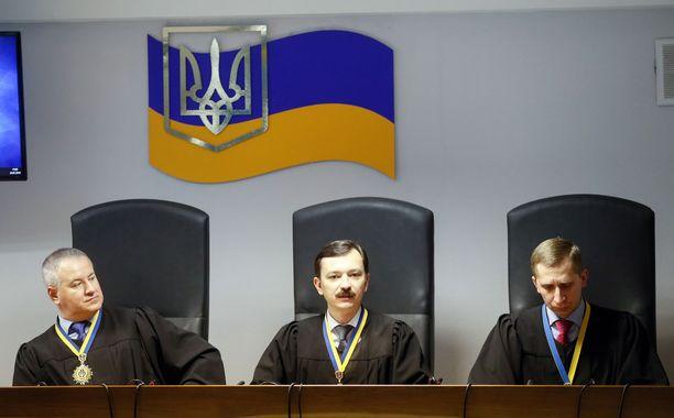 Tuomarit Kostyantyn Vasalatiy, Vlayslav Devyatko ja Maksym Tytov antoivat tuomion tänään Kiovassa.