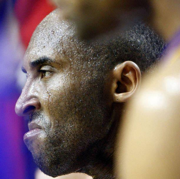 Kobe Bryantin selkä oikuttelee.