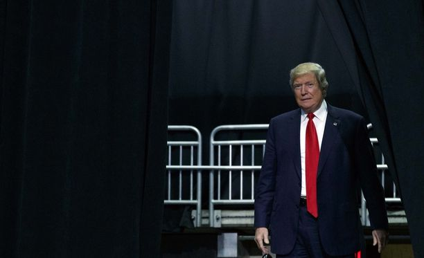 Wall Street Journal paljasti Donald Trumpin salasuhteen.