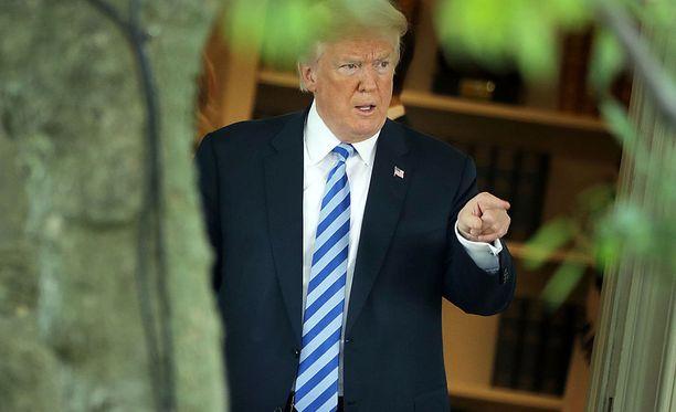 Trumpin lakitiimin mukaan presidentti ei ole voinut syyllistyä oikeudenkäytön estämiseen. Kanta tuli julki vuodetuista asiakirjoista, ja presidentti suuttui.