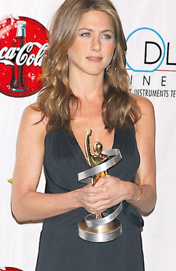 Jennifer Aniston tuli julkisuuteen pyöreäposkisena Frendit-näyttelijänä, mutta suosion myötä tähti laihtui luuviuluksi.