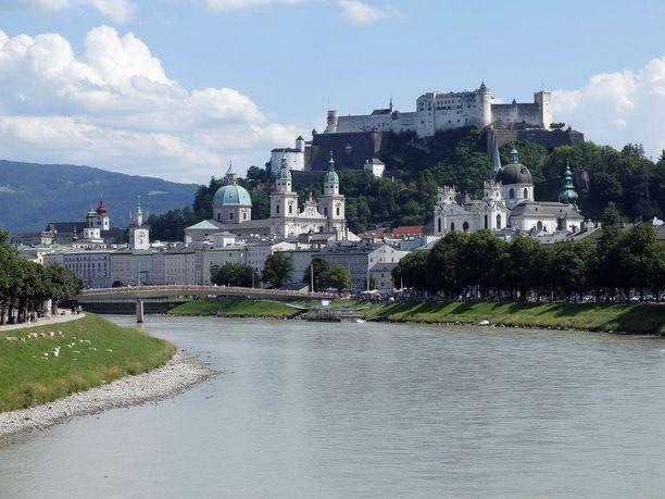 Itävallassa kannattaa vierailla Salzburgissa.