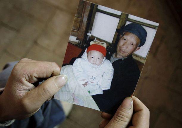 Korvauksia saaneiden vanhempien poikavauva menehtyi kuuden kuukauden ikäisenä.