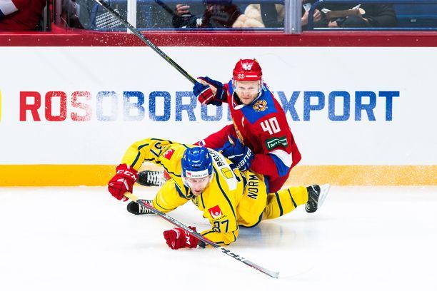 Venäjä pääsi Ruotsin selkään Hartwall-areenassa. Kuvassa Venäjän toisen maalin tehnyt Jevgeni Ketov.