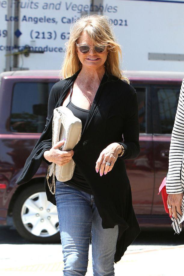 Goldie Hawnin tyyli on nuorekas.