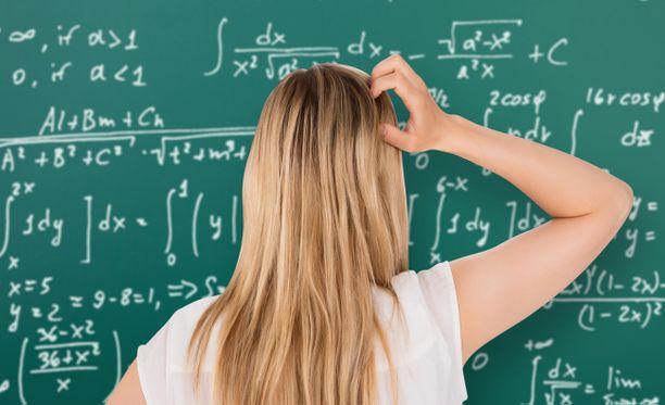 Matematiikka-ahdistus voi olla opittua asennetta, josta voi oppia myös pois