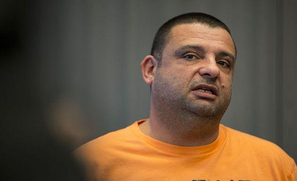 Yksi puukotuksen uhreista, pyörätuoliin joutunut Hassan Zubier.