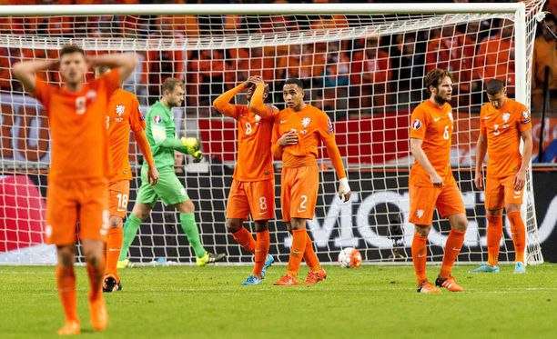 Hollanti on sensaatiomaisesti ulkona EM-kisoista.
