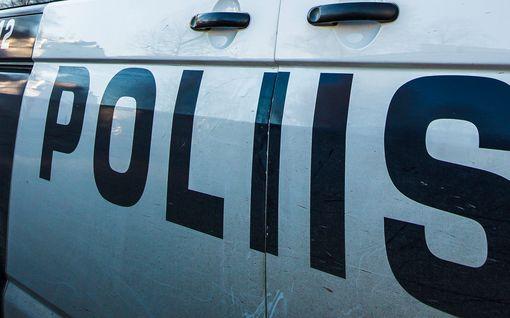 """Rattijuoppo kaahasi poliisit kannoillaan koulun pihaan, sivulliset vaarassa – """"Oppilaille tarjottu kriisiapua"""""""