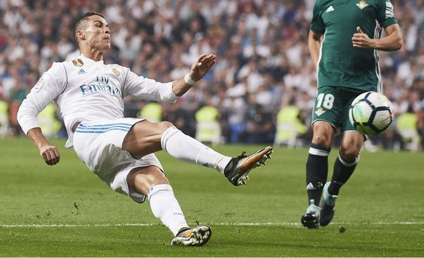 Cristiano Ronaldon sihti oli hukassa Real Madridin romahtaessa noloon kotitappioon.