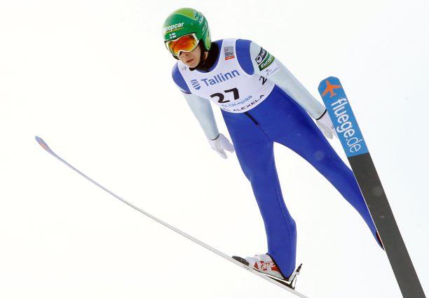 Eero Hirvonen nousi 11 sijaa hiihto-osuudella.