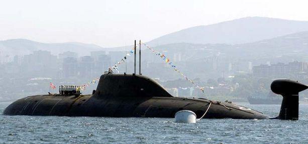 Nerpa-ydinsukellusvene Venäjän laivaston paraatissa 25. heinäkuuta 2008.