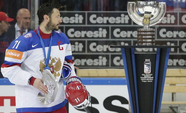 Ilja Kovaltshuk loi katseen MM-pokaaliin ja johti joukkueensa pois jäältä.