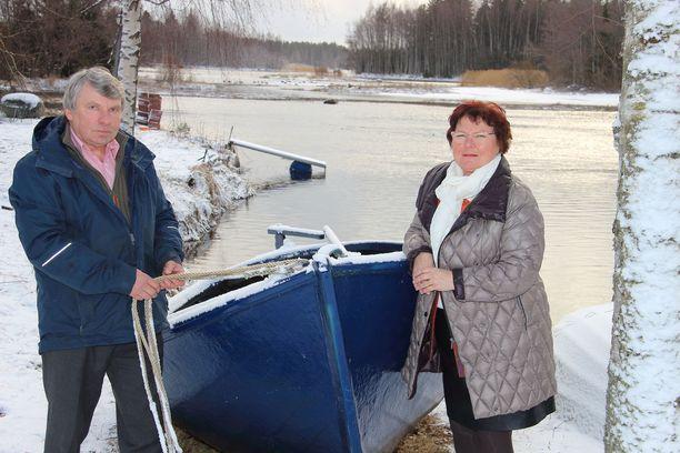 Veli-Matti ja Helena Heljakka odottavat jo kesän veneretkiä.