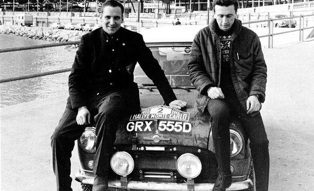 Timo Mäkinen (vas.) ja Mini olivat kova sana Monte Carlossa.