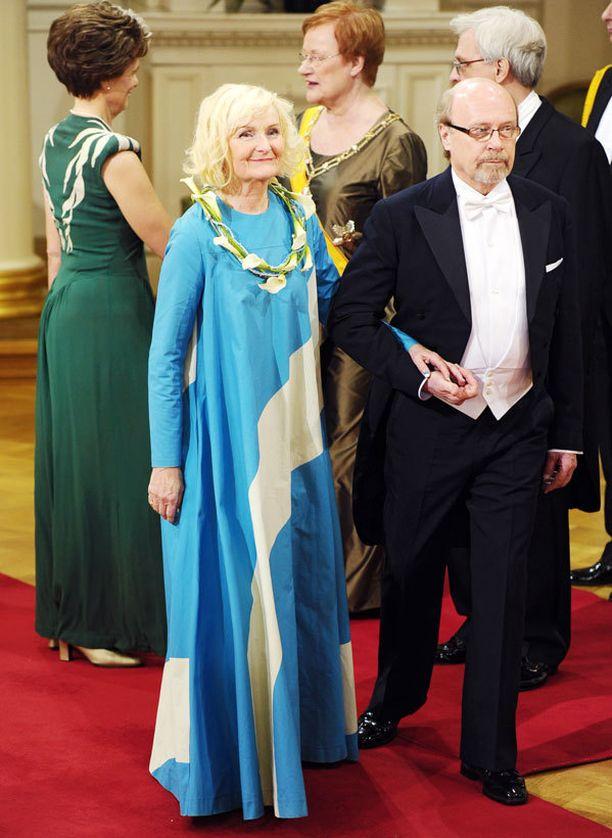 Liisa Väätäisen iltapuku oli suomalaista vintagea.