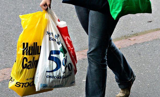 Muovinkeräykseen menevät esimerkiksi puhtaat ja kuivat muovipussit sekä elintarvikepakkaukset, kuten muoviset jogurttipurkit ja leikkelepaketit.
