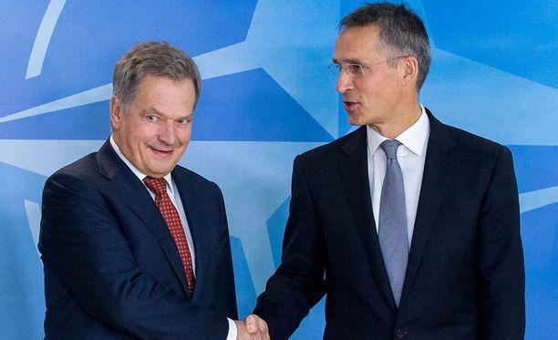 Sauli Niinistö ja Jens Stoltenberg tapasivat vuosi sitten Naton päämajassa Brysselissä.