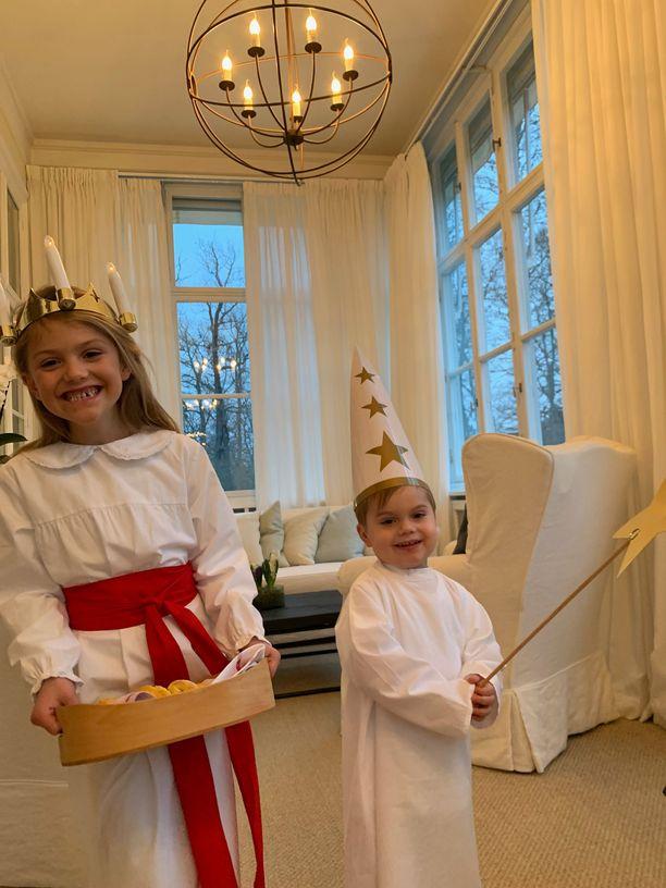 Prinsessa Estelle ja prinssi Oscar ihastuttivat Lucia-teemaisissa asuissa Lucian päivänä.