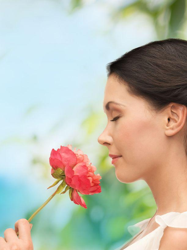 Vanhemmiten emme välttämättä kiinnitä huomiota siihen, että hajuaisti heikkenee. Kuitenkin voisi olla hyvinkin hyödyllistä testata juuri hajuaisti.