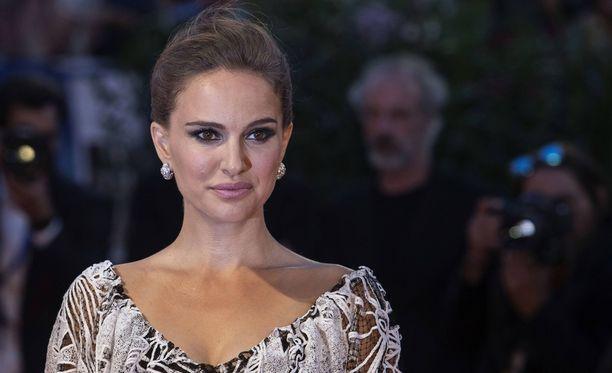 Natalie Portman kertoo, että hänen ulkonäköään on arvosteltu lapsesta lähtien.