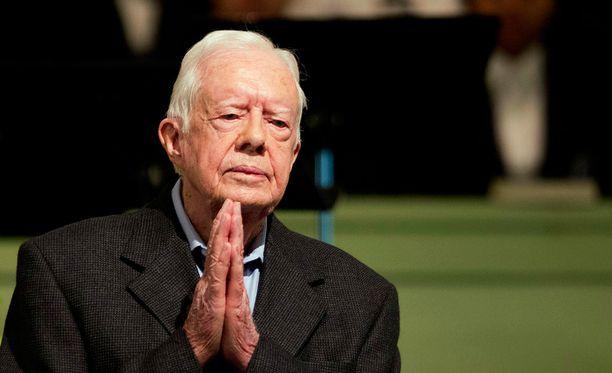 Entinen presidentti Jimmy Carter opettaa baptistikirkon sunnuntaikoulussa. Carter kertoi, että viimeisimmässä tähystyksessä häneltä ei enää löydetty syöpää.
