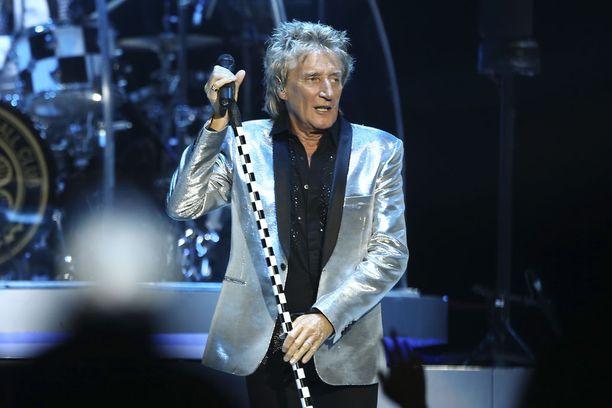 Laulaja Rod Stewart, 73, tunnetaan esimerkiksi kappaleista Maggie May, Sailing ja Young Turks.