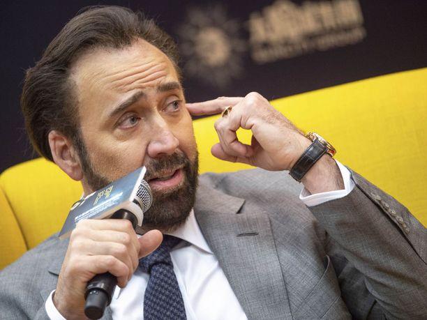 Näyttelijä Nicolas Cage meni naimisiin neljättä kertaa, tällä kertaa melkoisessa humalatilassa.