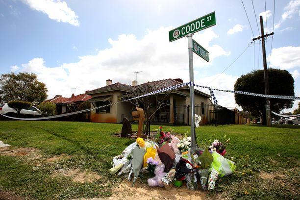 Tässä Perthin Bedfordissa sijaitsevassa talossa surmattiin viisi ihmistä viime syyskuussa.