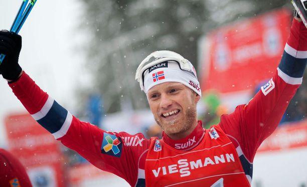 Dollarihymy? Norjan Martin Johnsrud Sundby on ylivoimainen suosikki voittamaan Tour de Skin pääpalkinnon 92000 euroa.