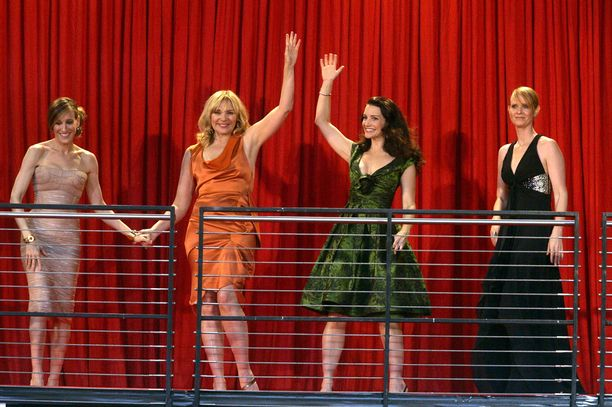 Sarah Jessica Parker, Kim Cattrall, Kirstin Davis ja Cynthia Nixon poseerasivat yhdesssä Sinkkuelämää-elokuvan ensi-illassa vuonna 2008.