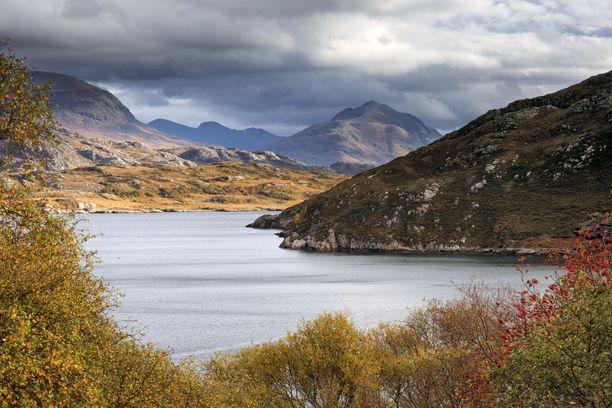 Skotlannin Ylämaiden syysmaisemia.