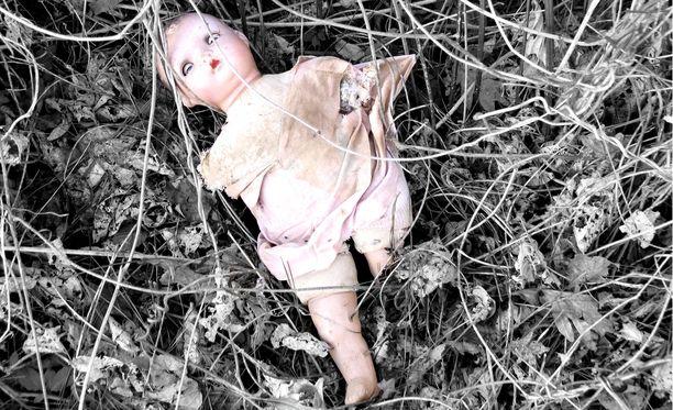 Lasten seksuaalinen hyväksikäyttö on puhututtanut ja järkyttänyt monia suomalaisia. Kuvituskuva.