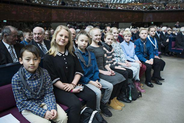 Töölön ala-asteen 5A-luokkalaiset arvostavat turvallista Suomea.