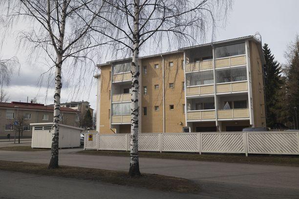 Mies löytyi kuolleena parkkipaikalta Kuopiossa.