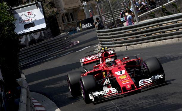 Kimi Räikkönen oli viimeisten harjoitusten toiseksi nopein.