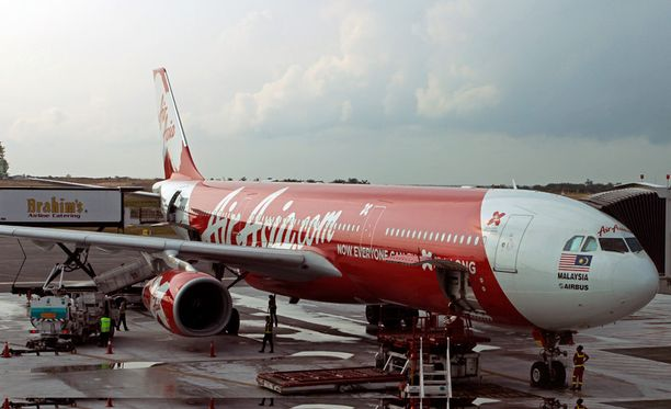 Ilmatieteen laitoksen mukaan koneen katoamisalueella on ollut tyypillisiä trooppisia ukkosmyrskyjä.