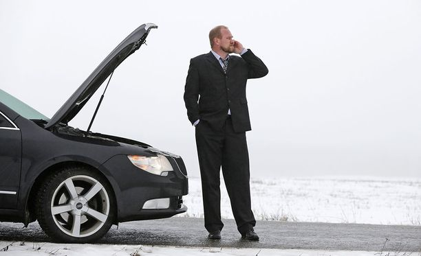 Autoliiton Plus-jäsenenä saat avun paikalle 24/7.