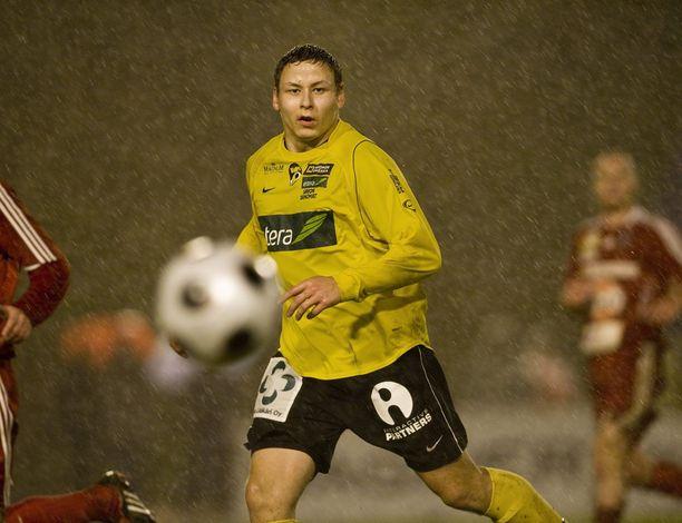 Pele Koljonen pelasi Veikkausliigassa, ennen kuin ura päättyi vakavaan loukkaantumiseen. Kuva vuodelta 2008.