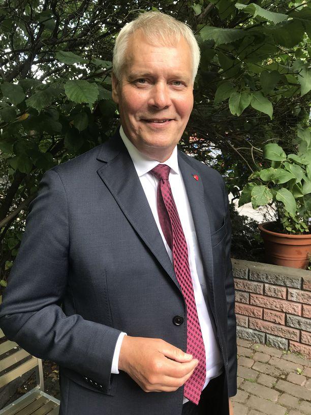 Antti Rinne väläyttää koulutusrahojen nostoa kertarysäyksellä.