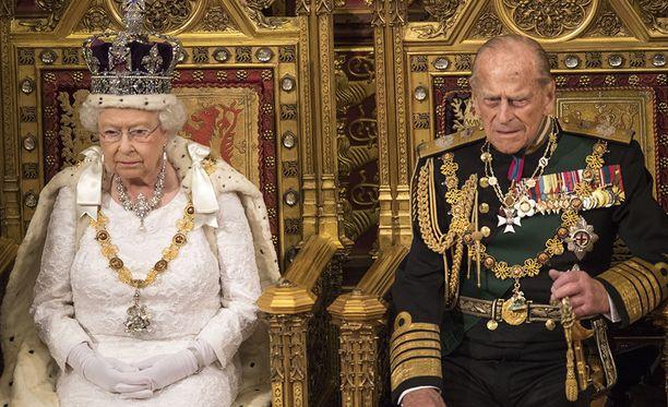 """Kuningatar Elisabetin henkilökohtainen omaisuus on """"vain"""" noin 400 miljoonaa euroa. Sen hän on saanut lähinnä perintönä."""