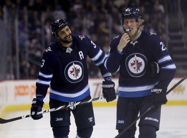 Dustin Byfuglien ja Patrik Laine kuuluvat Winnipeg Jetsin tähtiosastoon.